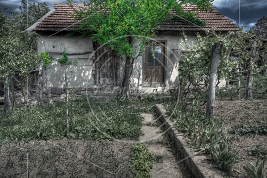 Old spooky house - HDR